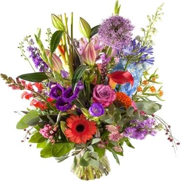 Zomers boeket met luxe bloemen