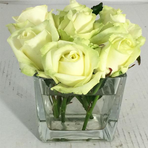 Tafelvaasje rozen